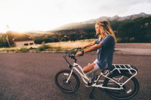 Vélo ou trottinette électrique : qui est le plus pratique ?